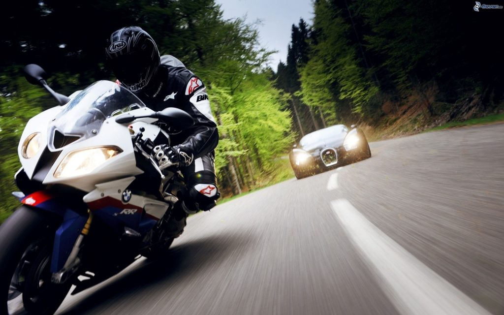 Consejos para mejorar la convivencia entre coches y motos